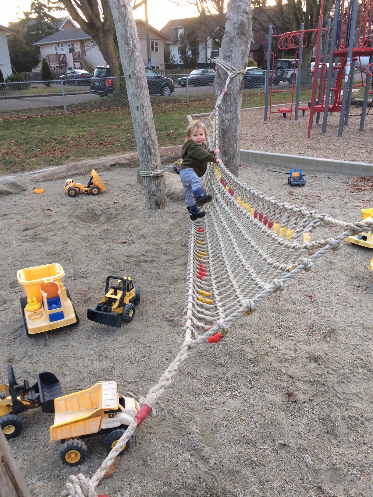 alexander park playground fernwood