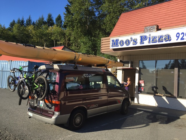 moos pizza kayak camping van Vancouver Island family roadtrip