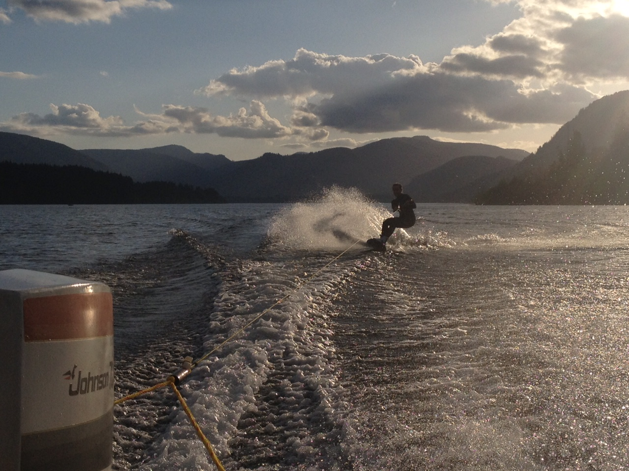 wakeboarding cowichan lake boating vancouver island bc